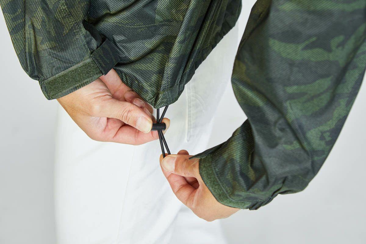 詳細:裾調節コード
