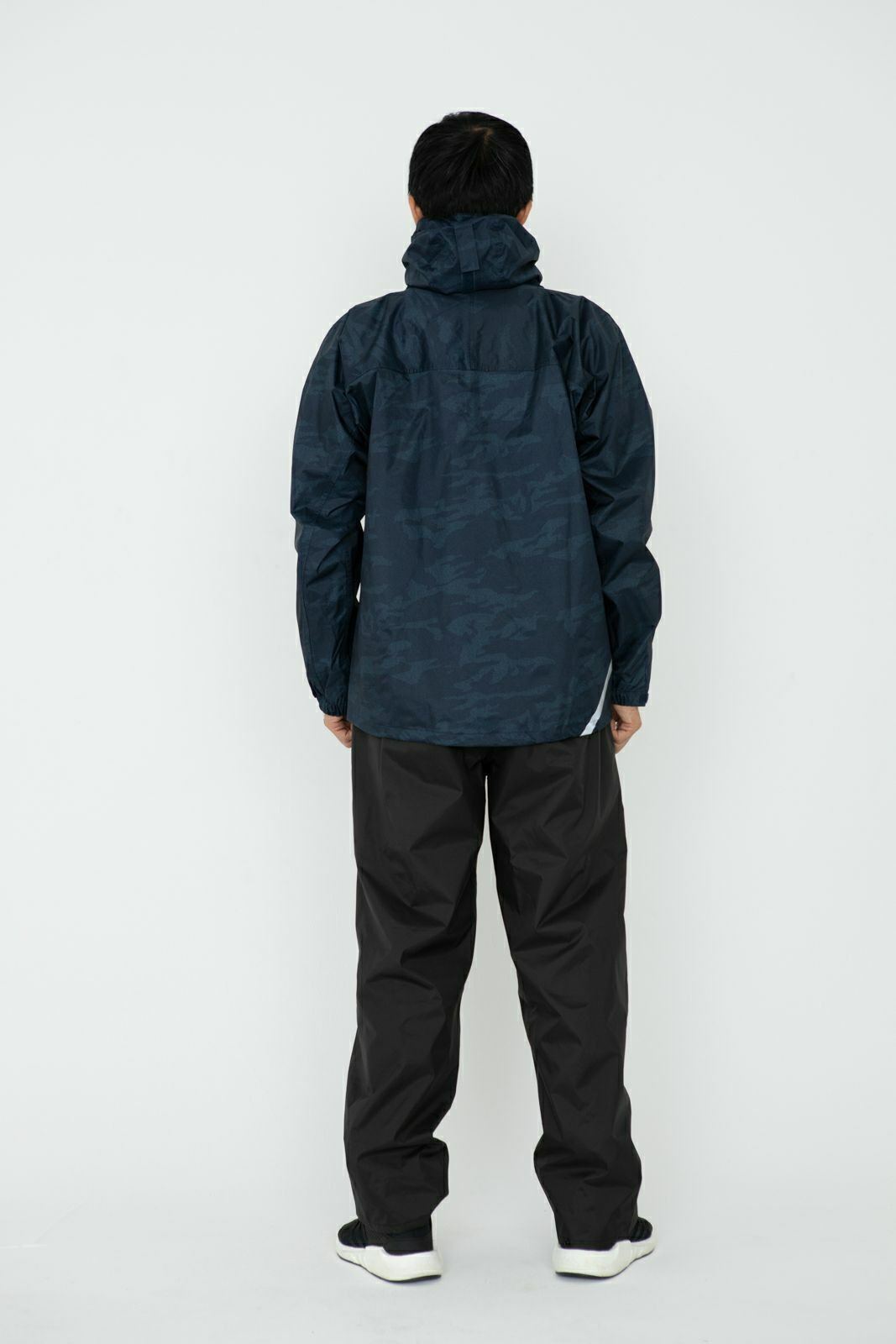 詳細:着用イメージ 背面 [男性モデルのサイズ]身長:174cm 着用サイズ:L