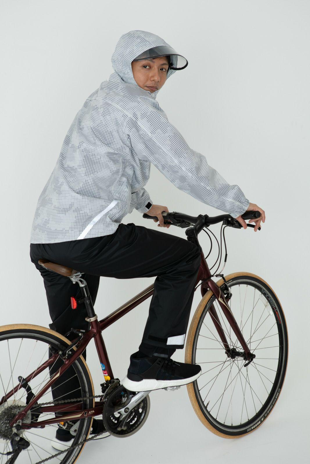[男性モデルのサイズ]身長:174cm 着用サイズ:L詳細:着用イメージ 自転車