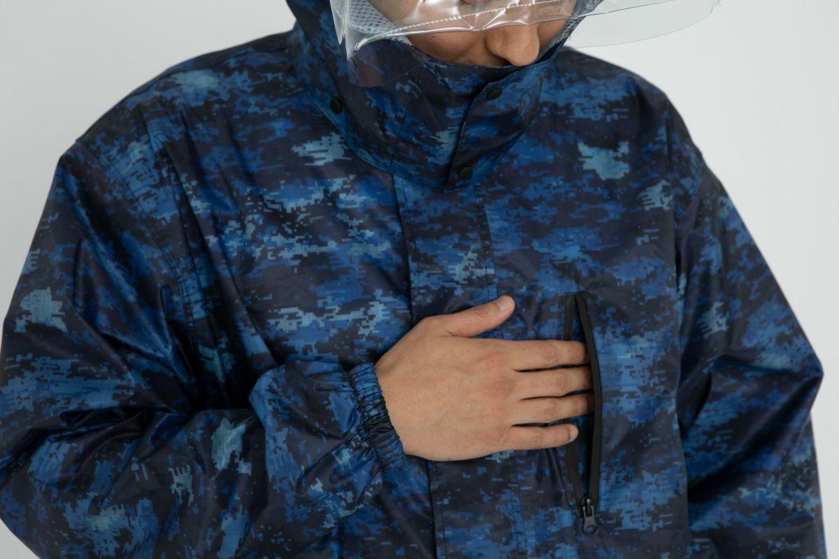詳細:着用イメージ デジカモ 胸ポケット  [男性モデルのサイズ]身長:174cm 着用サイズ:L