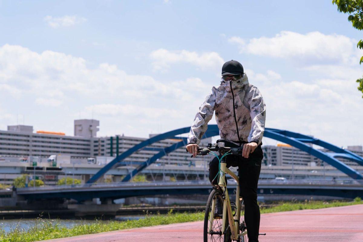 着用イメージ 自転車運転時 スプラッシュ [男性モデルのサイズ]身長:182cm 着用サイズ:3L